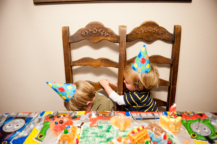limelife photography fun birthday party photos san diego family photographers wyatt and dylan uncle jesse and aunt becky_002