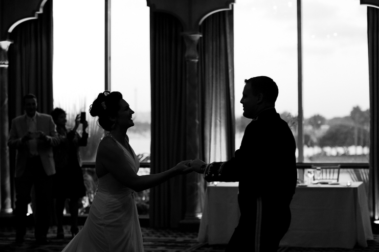 limelife photography san diego wedding photographers a mission bay wedding mission bay wedding photos the bahia wedding blue wedding colors mission beach wedding photos wedding photographers in san diego_049