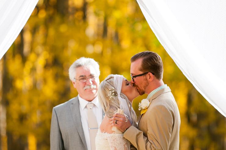 48 kiss the bride yellow fall wedding limelife photography 048