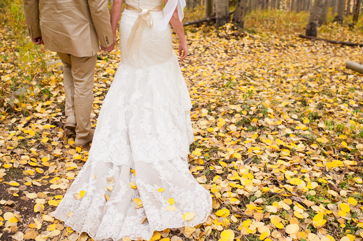 63 bride and groom aspen leaves limelife photography 063