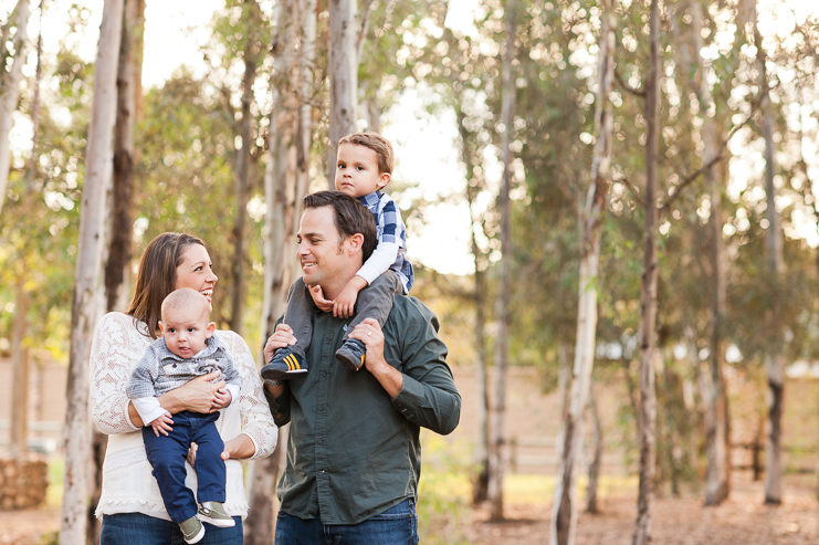 15 Limelife Photography woodsy family photos