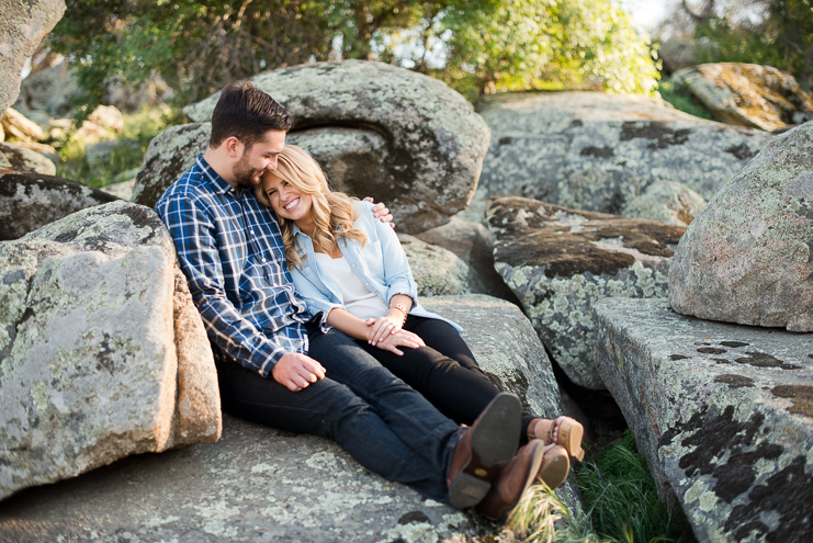 06 outdoorsy engagement photos Limelife Photography_006